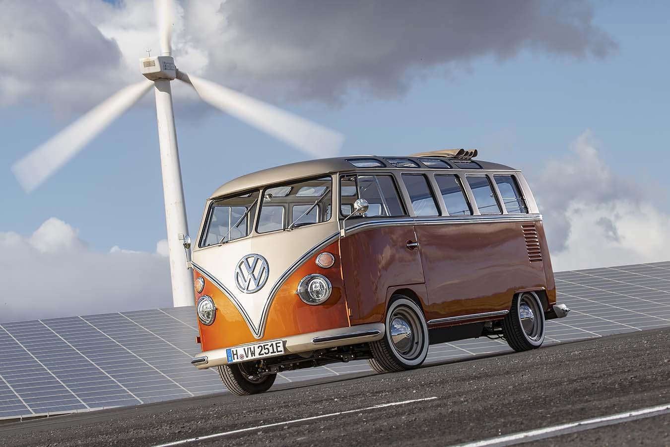 Volkswagen показа класическо T1 с електрическо задвижване