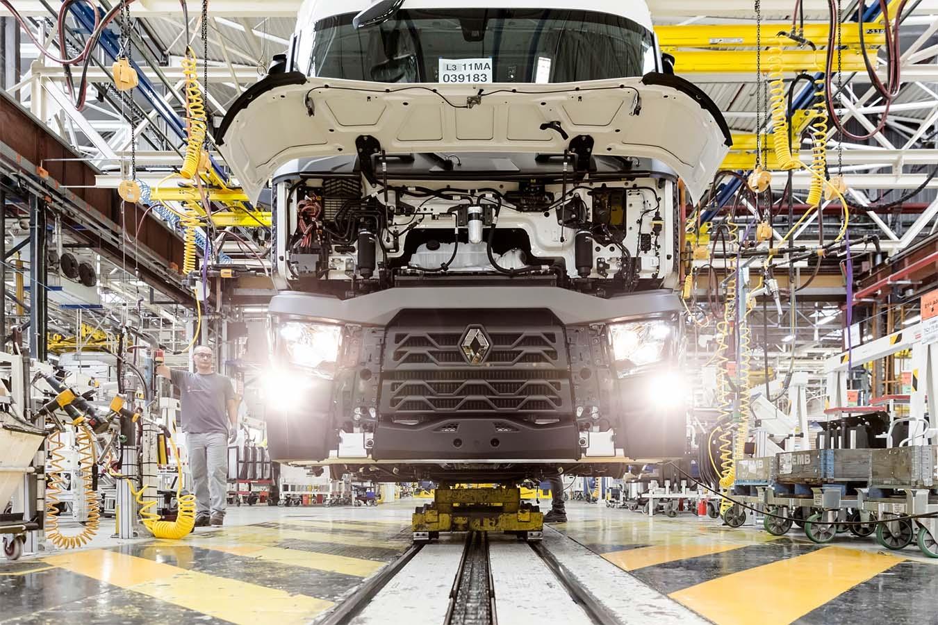 Renault Trucks подготвя пускането на заводите си
